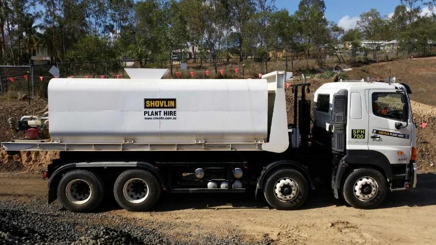 Hino 700 18500 litre water cart